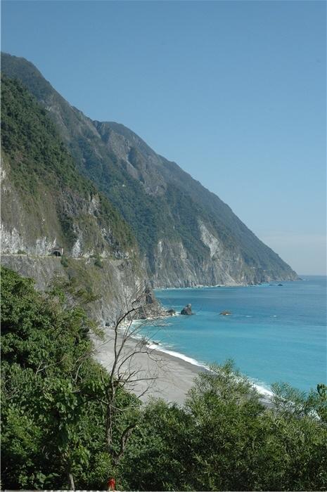 清水斷崖與海