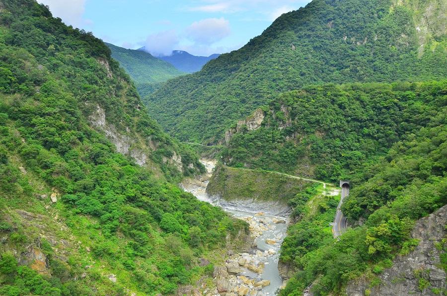 山月吊橋俯瞰立霧溪谷