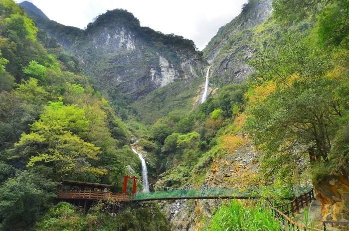 白楊瀑布 (太魯閣國家公園管理處提供)