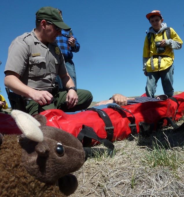 美國國家公園信託基金會「野牛兄弟學校計畫」行之有年,協助教師打底國家公園戶外教育