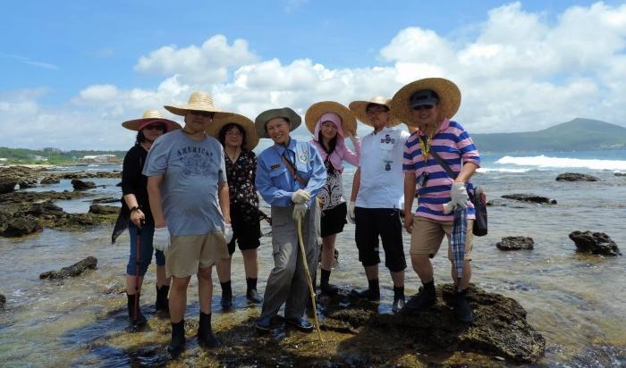 民眾可於大光社區參與探索潮間帶遊程(墾丁國家公園管理處提供)