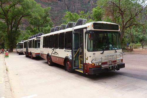 美國國家公園內的丙烷巴士會被電動巴士取代嗎?
