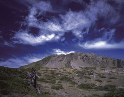 Curled Clouds over Mt. Nanhu ( by Cai Jin-hong )